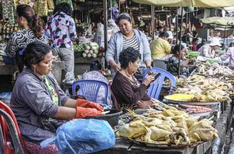 Ambiance sur un marché - Cambodge -