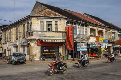 Animation dans la ville coloniale de Battambang - Cambodge -