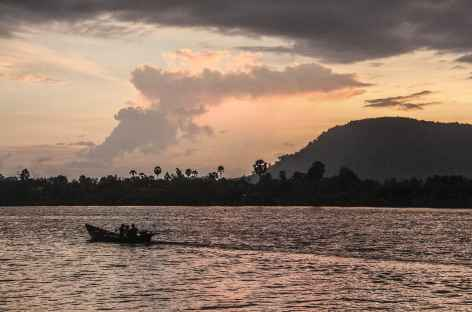 Coucher de soleil sur la rivière de Kampot - Cambodge -