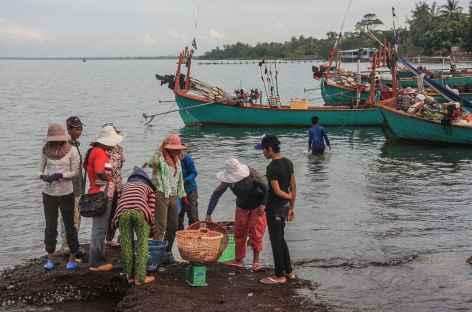 Retour des pêcheurs à Kep - Cambodge -