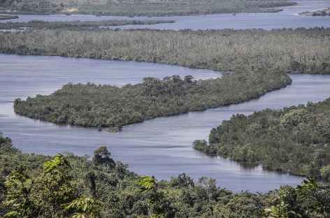 A l'aprroche de Koh Kong, mer et fleuve se mélangent - Cambodge -