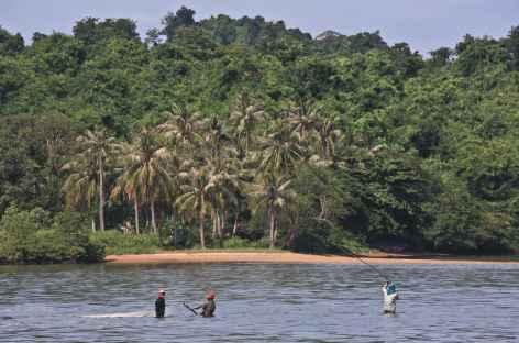Navigation à travers les îles de la Mer de Siam - Cambodge -