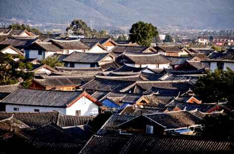 Les toits de la vielle ville de Lijiang - Yunnan, Chine -
