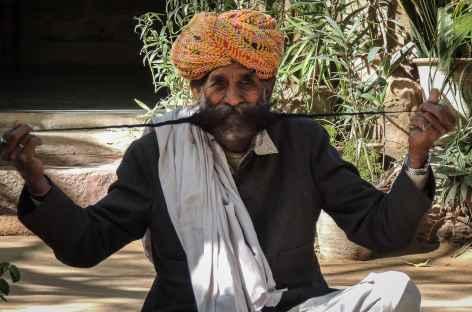 La fameuse moustache Rajpoute - Rajasthan, Inde -