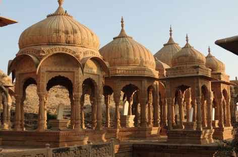 Cénotaphes à Jaisalmer, Rajasthan, Inde -