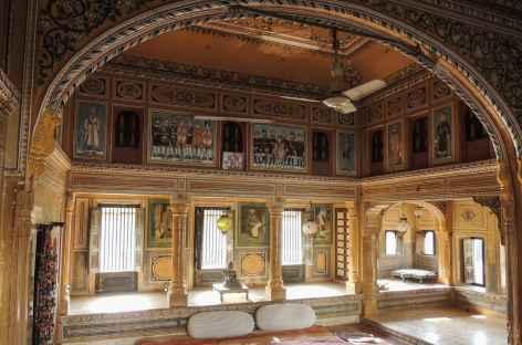 L'intérieur d'une haveli, Rajasthan, Inde -