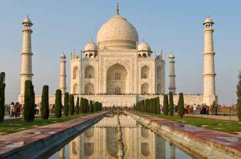 Le fameux Taj Mahal dans la lumière du matin, Agra, Inde -