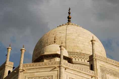 Le Taj Mahal dans la lumière du matin, Agra, Inde -