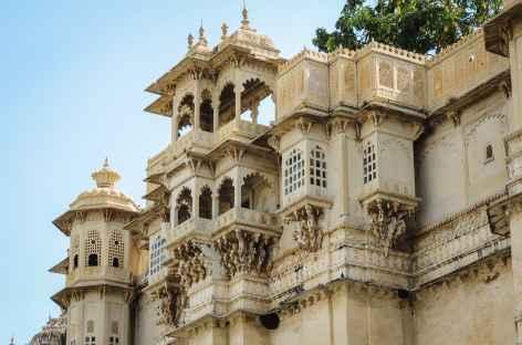 Détail d'architecture du City Palace à Udaipur, Rajasthan -