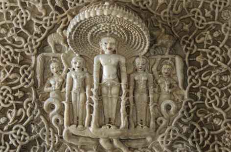 Détail à l'intérieur du temple d'Adinath, Rajasthan -