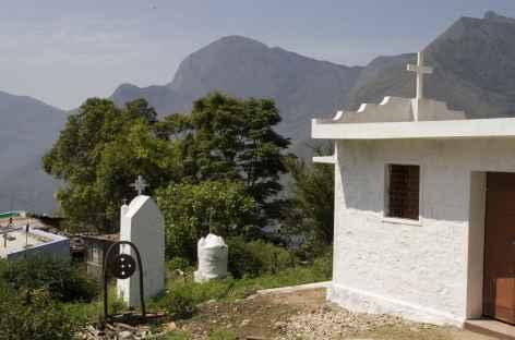 petite chapelle, depuis top station, Kerala, Inde du sud -