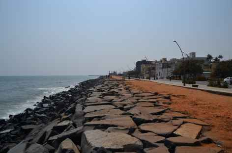 Bord de mer à Pondicherry - Inde -