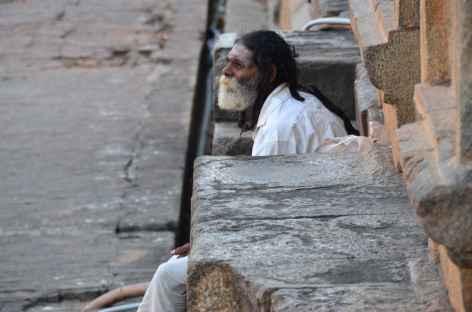 Sadhu au temple de Thanjavur - Inde -