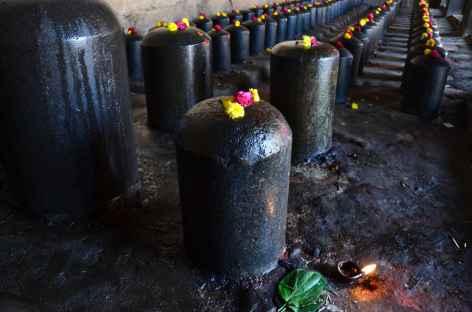Lingams au temple de Thanjavur - Inde -