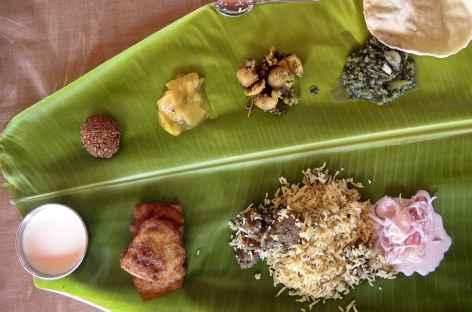 Le thali est typique du Sud de l'Inde, l'assiette est remplacé par la feuille de bananier ! -