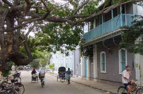 Les charmantes rues de Pondichery,  Inde du Sud -