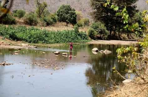 Rivière près de la Tribu Braiga - Orissa, Inde -