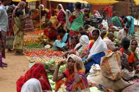 Scène de marché ghotul - Orissa, Inde -