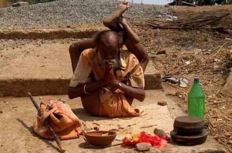 Saddhu yogiste - Orissa, Inde -