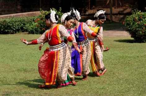 Danses près de Bhubaneswar - Orissa, Inde -