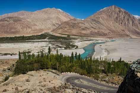 Vue sur la rivière Shyok - Vallée de la Nubra  -