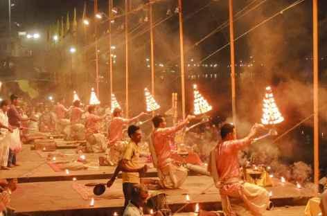 Cérémonie du soir à Varanasi, Uttar Pradesh - Inde -