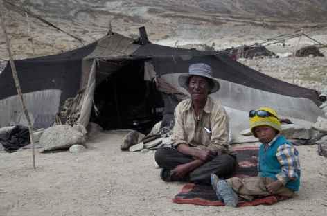 Nomades en bord de route - Ladakh, Inde -