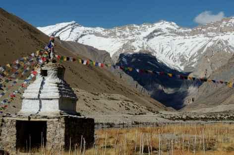 Chorten et vallon d'altitude, Ladakh - Inde -