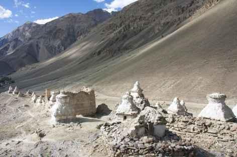 Chortens sous Zangla, Ladakh, Zanskar- Inde -