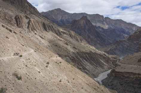 Montée au Parfi La, Ladakh, Zanskar- Inde -