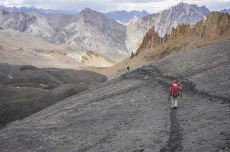 Descente vers Shillakong, Ladakh, Zanskar- Inde -