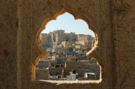 Vue dérobée sur la citadelle du désert du Thar, Rajasthan -