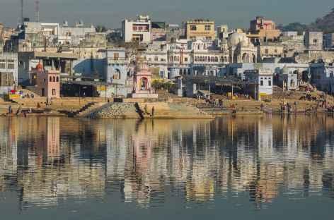 Vue sur les ghats, Pushkar, Rajasthan, Inde -