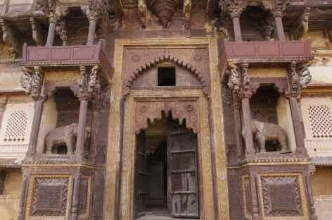 Porte des éléphants, entrée principale de Jehangir Mahal - Orchha -