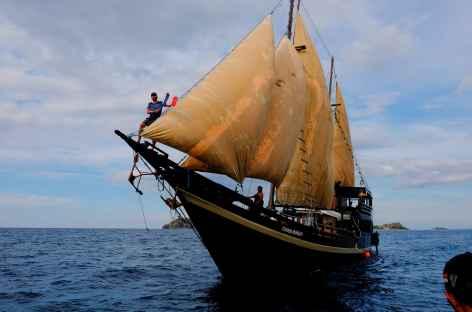 Notre bateau toute voile dehors ! -