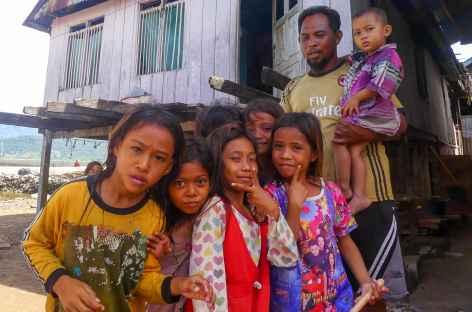 Village de pêcheurs dans la baie de Maumere, Flores - Indonésie -