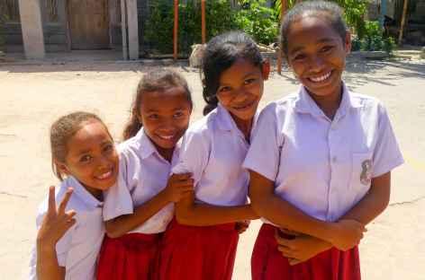 Jeunes filles de Palue - Indonésie -