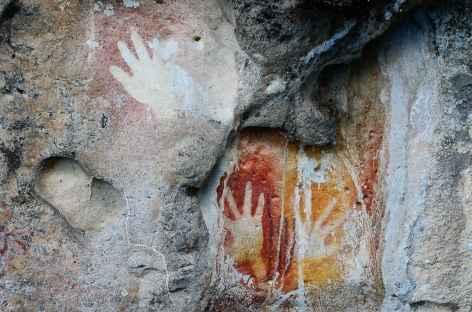 Peintures rupestres datant de 2000 à 3000 ans, Misool - Indonésie -