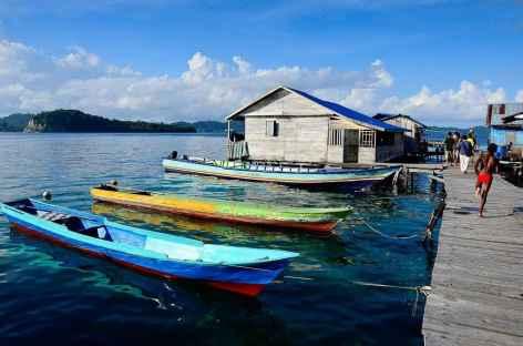 Village bugis de Yilu, à l'est de Misool, Raja Ampat - Indonésie -