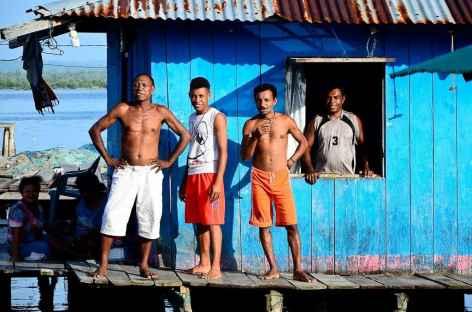 Dans le village bugis de Sorong, Papua - Indonésie -