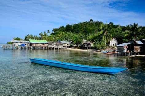 Village papou sur l'île d'Arborek, Raja Ampat - Indonésie -