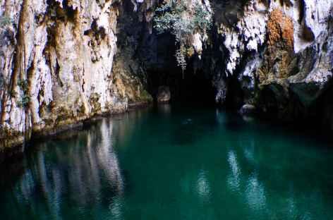 Grotte sous marine, Archipel de Talmulol, Raja Ampat - Indonésie -