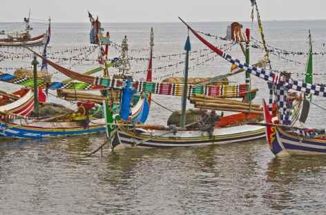 Bateaux traditionnels madurais, Java est - Indonésie -