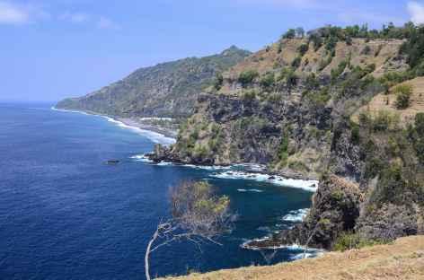Côte sauvage entre Pasir Putih et Candidasa, Bali - Indonésie -