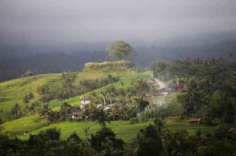 Un hameau perdu dans la montagne vers Belimbing, Bali - Indonésie -