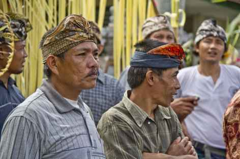 Cérémonie religieuse balinaise, Bali - Indonésie -