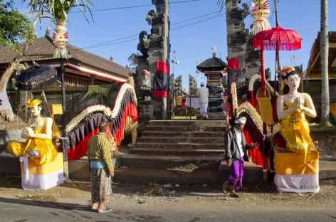 Un des nombreux temples hindouistes de Bali..., Bali - Indonésie -
