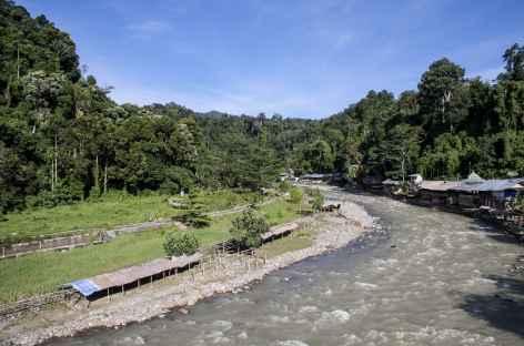 Rivière Bohorok vers Bukit Lawang, Sumatra - Indonésie -