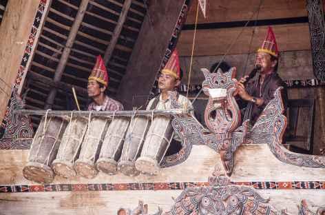 Danses traditionnelles batak toba, Ile de Samosir, Sumatra - Indonésie -
