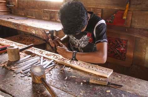 Artisanat du bois vers Bukitinggi, Sumatra - Indonésie -
